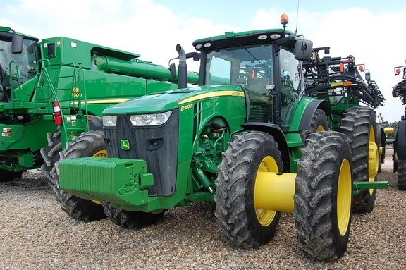 2013 John Deere 8360R Tractor For Sale