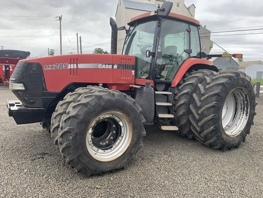 Tractor For Sale: 2004 Case IH[...]