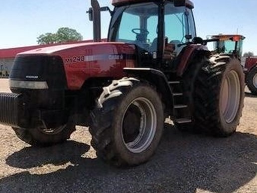 Tractor For Sale: 2002 Case IH[...]
