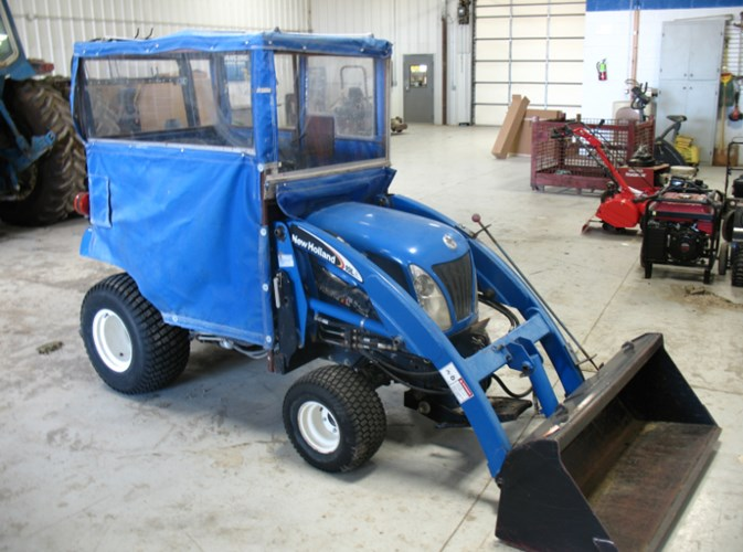 New Holland TZ24DA Tractor - Compact For Sale