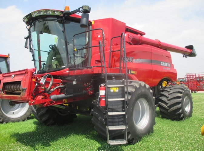 2105 Case IH 8240 Combine For Sale