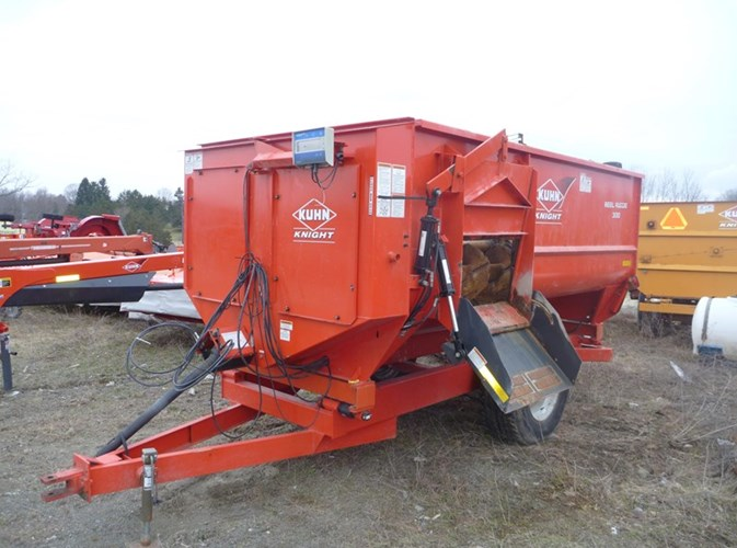 2013 Knight 3130TR TMR Mixer For Sale