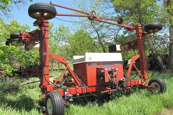 International 800 cyclo air Planter For Sale
