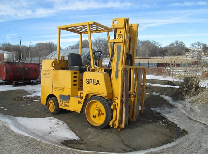 Allis Chalmers 6000 Lift Truck/Fork Lift For Sale