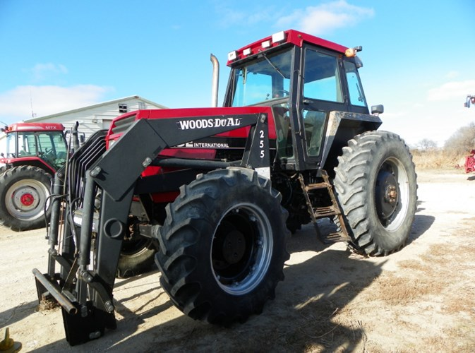 Case IH  2096 MFD Tractor For Sale
