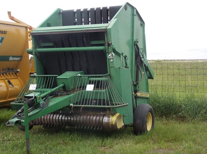 John Deere 510 Baler-Round For Sale