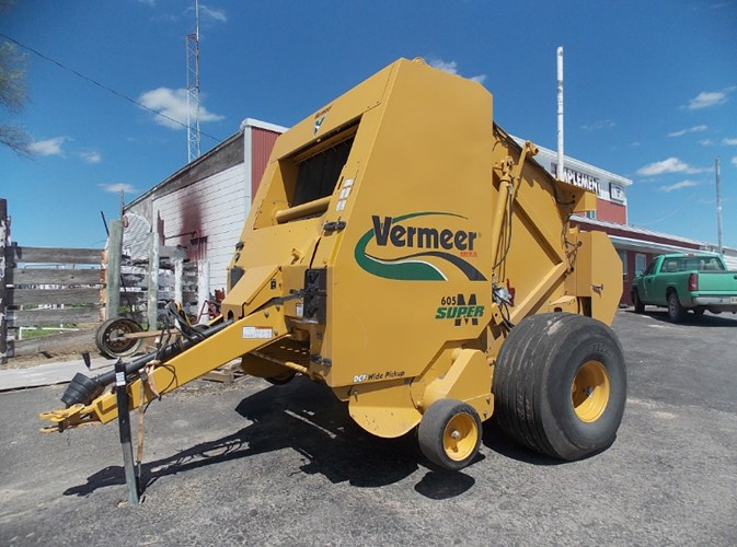 2010 Vermeer 605 Super M Baler-Round For Sale