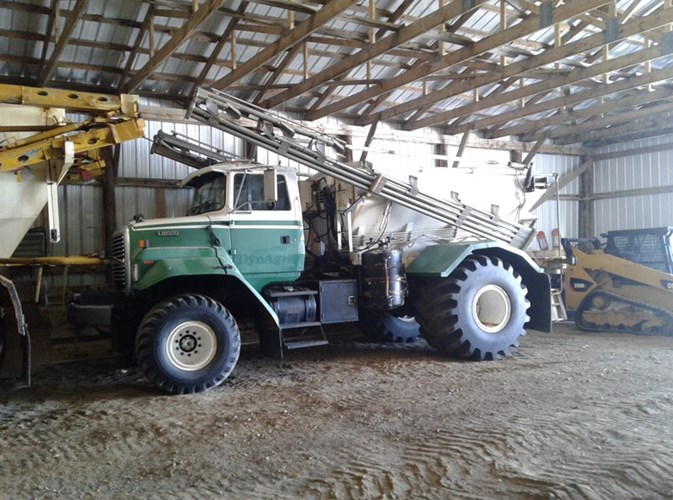 1994 Ford L800 Floater/High Clearance Spreader For Sale