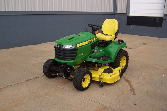 2013 John Deere X758 Riding Mower For Sale
