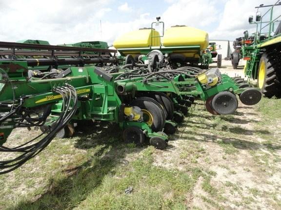 2011 John Deere 1790 Planter For Sale