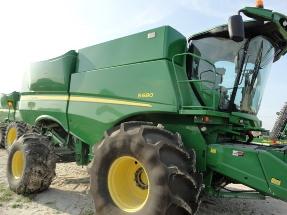 2012 John Deere S680 Combine For Sale