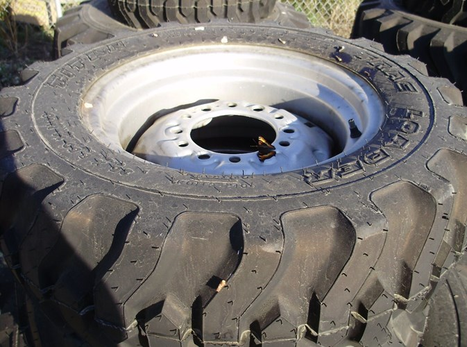2007 Case IH DX35 Wheels and Tires For Sale