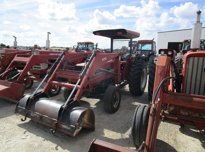 1992 Case IH 695 Tractor For Sale
