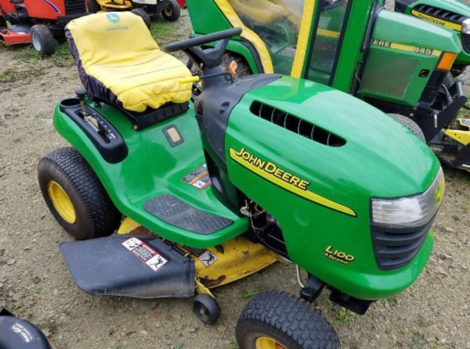 John Deere L100 Tractor For Sale