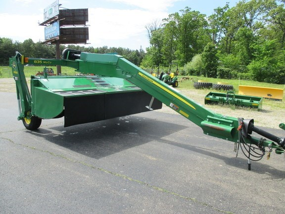 2015 John Deere 835 Mower Conditioner For Sale