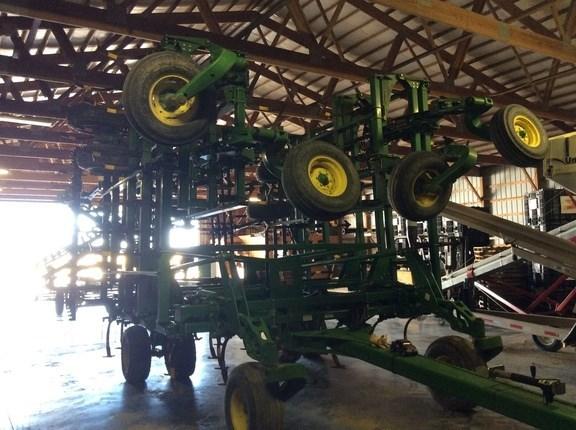 2015 John Deere 2210 Field Cultivator For Sale