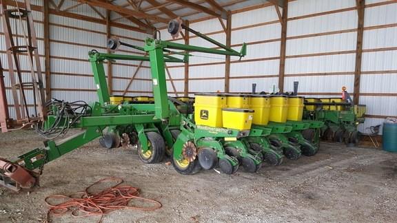 2000 John Deere 1780 Planter For Sale