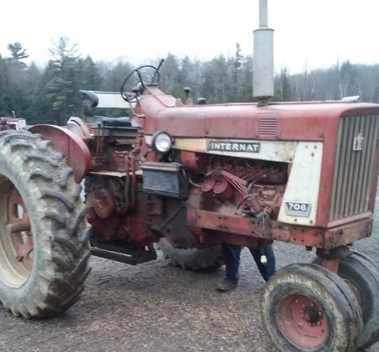 International 706D Tractor For Sale