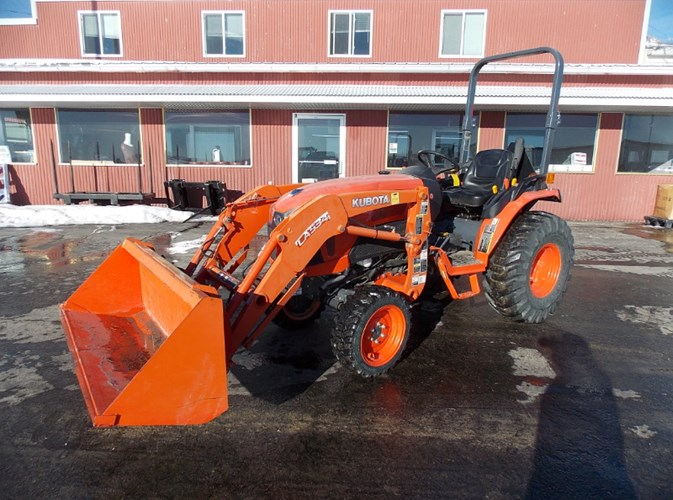 Kubota B2650 Hydro Tractor For Sale