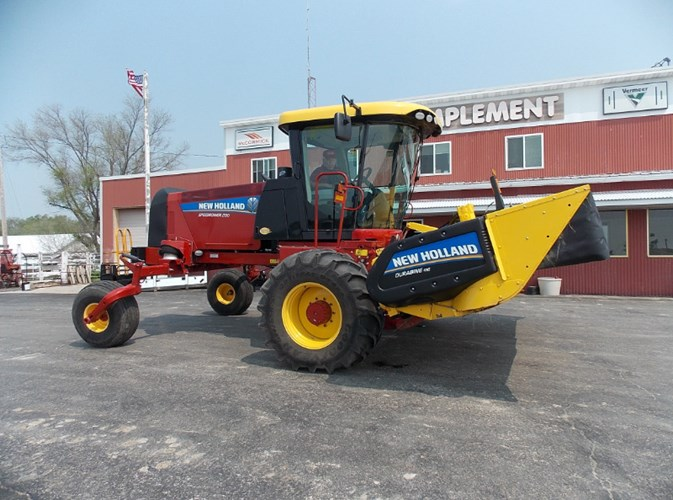 2014 New Holland Speedrower 200 Windrower-Self Propelled For Sale