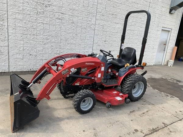 2015 Mahindra Emax 22hst Tractor For Sale 187 Quad Cities