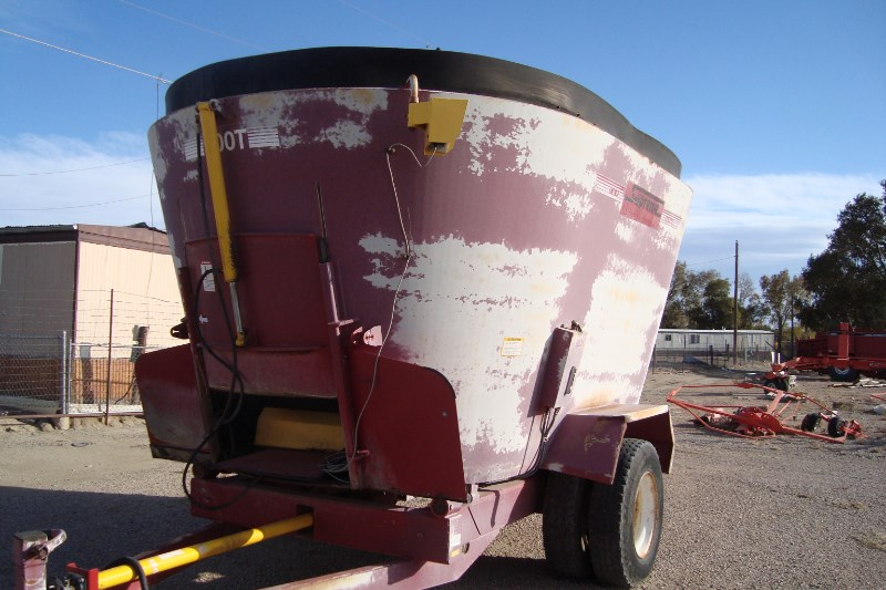 Supreme 900t Tmr Mixer For Sale 187 Rusler Implement Co