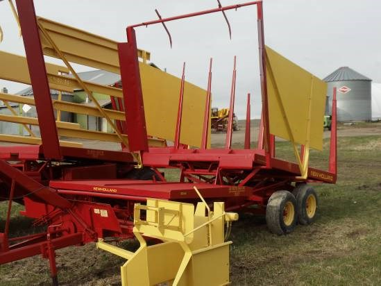 New Holland 1032 Bale Wagon-Pull Type For Sale