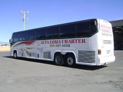 1998 MCI Bus 102EL3 Image 3