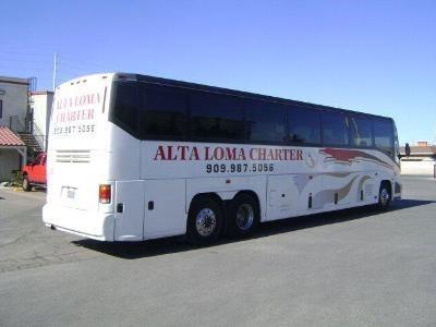 1998 MCI Bus 102EL3 Image 4