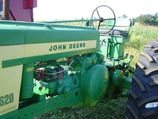 1958 John Deere 620G Image 6