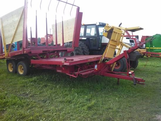 1979 New Holland 1033 Bale Wagon-Pull Type For Sale