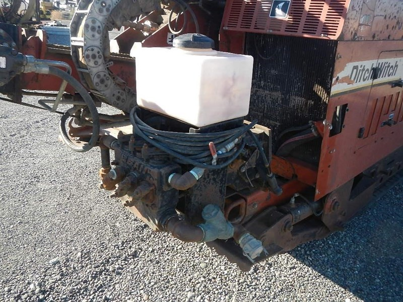 2000 Ditch Witch JT4020 Image 9