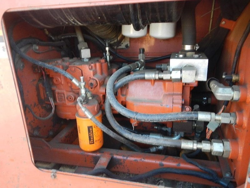 2000 Ditch Witch JT4020 Image 11