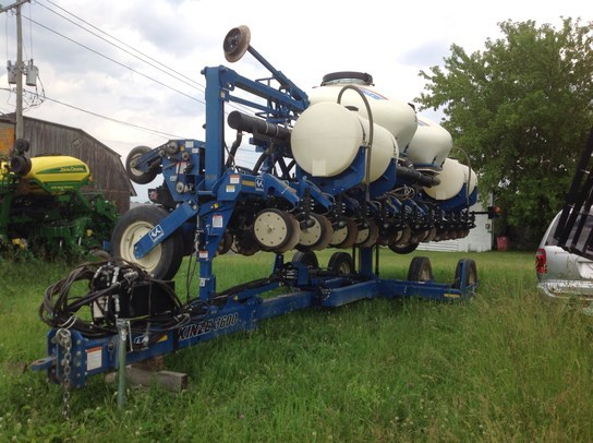 2011 Kinze 3600 Planter For Sale