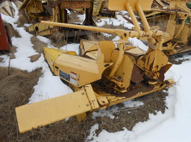 New Holland 824 Forage Head-Row Crop For Sale