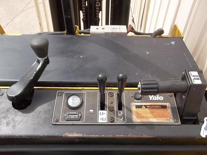 2000 Yale ESC030AB Image 4