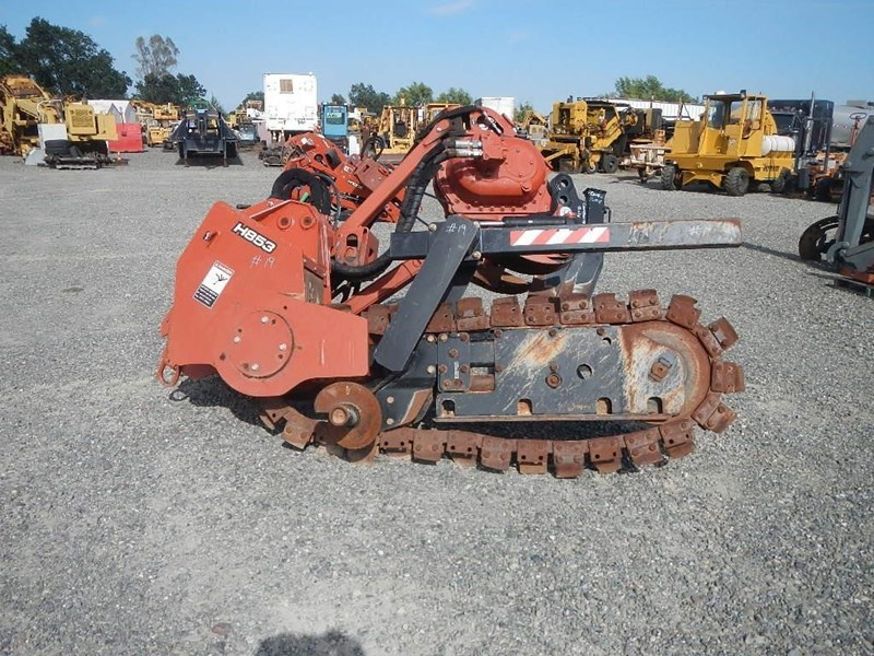 2011 Ditch Witch H853 Image 2