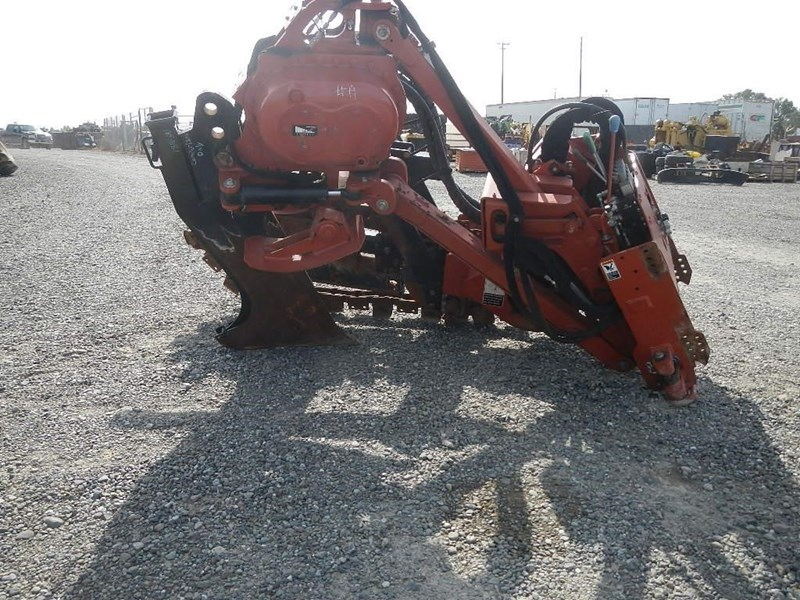 2011 Ditch Witch H853 Image 5