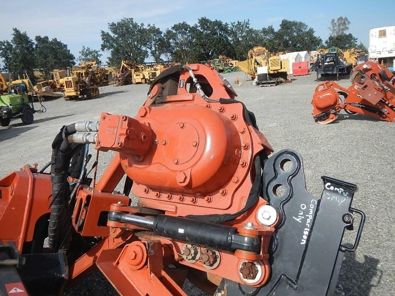 2011 Ditch Witch H853 Image 8