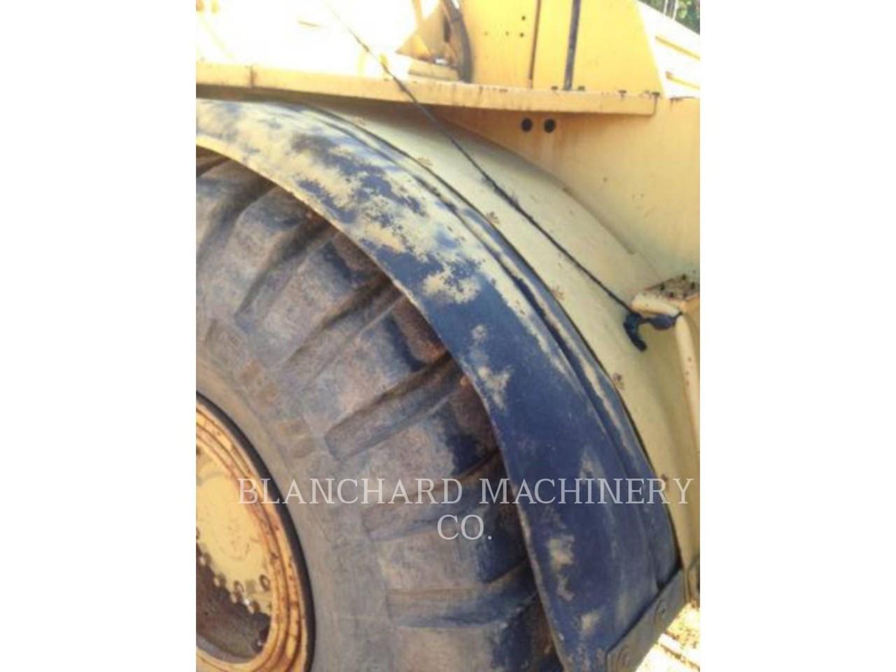 1989 Caterpillar D25C Image 7