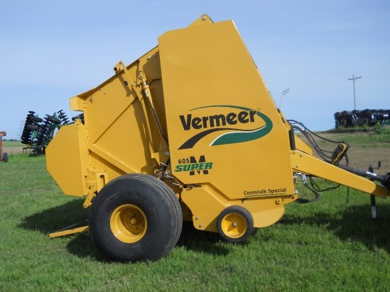 Vermeer 605SM Baler-Round Shelton Neska - vermeerused.com on