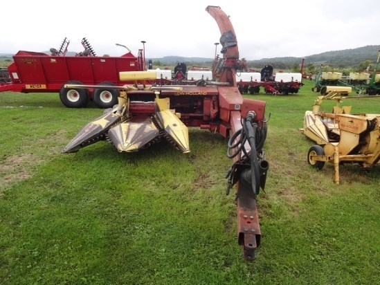 New Holland 900 Forage Harvester-Pull Type For Sale