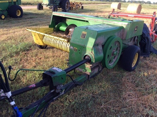 1991 John Deere 348 Baler-Square For Sale