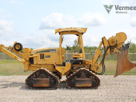 2011 Vermeer XTS1250 Vibratory Plow Marne Michigan - vermeerused com