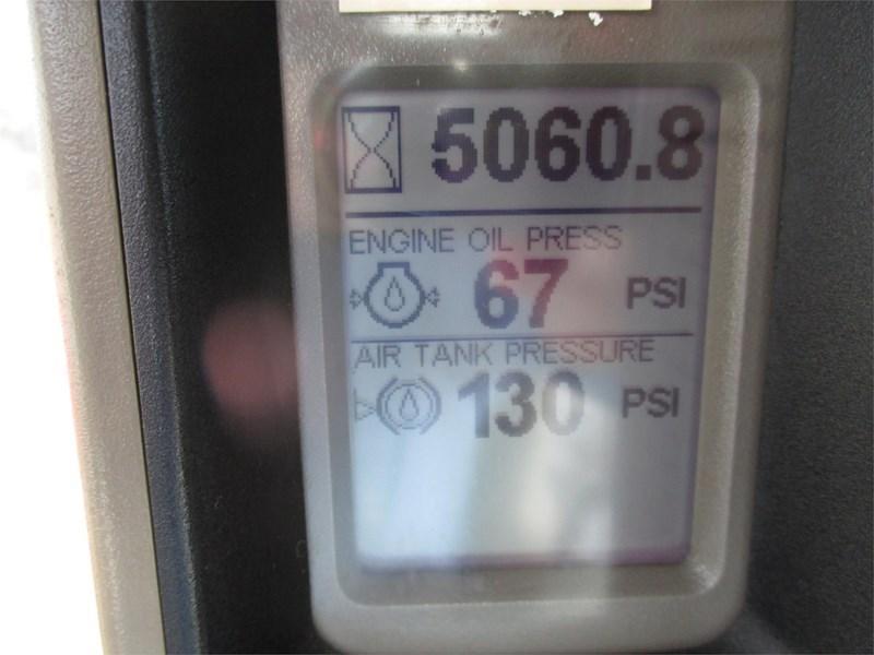 2010 Case IH TITAN 3520 Image 9