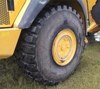 2013 John Deere 410E Thumbnail 7