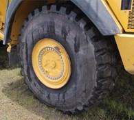 2013 John Deere 410E Thumbnail 12