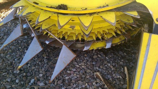 2008 John Deere 678 Image 7