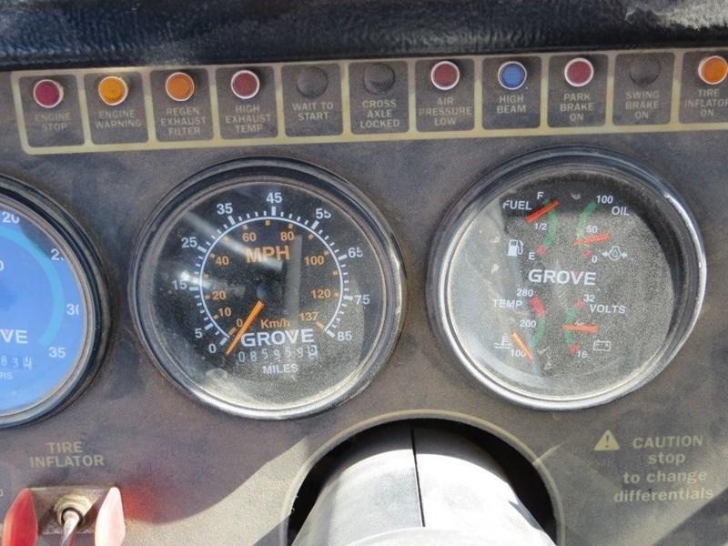 2007 Grove TMS900E Image 3