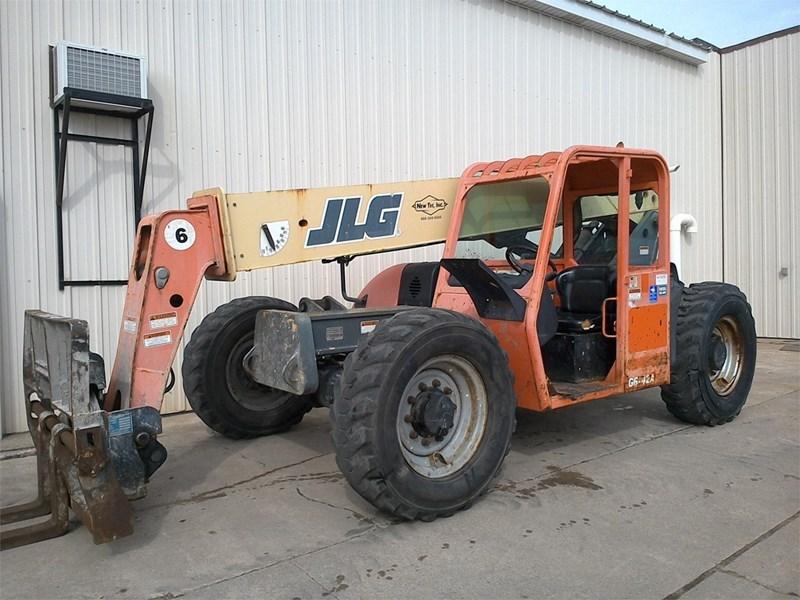 2006 JLG G6-42A Image 2